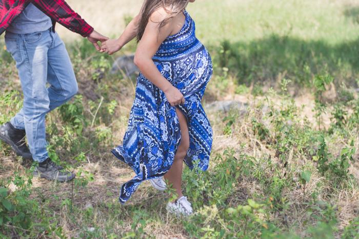 fotografia-maternidad-fotografos-de-embarazo-sesion-en-exterior