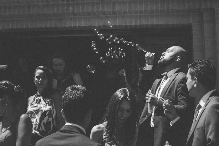 salida-iglesia-fotografia-de-bodas